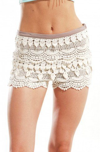 Lace Tier Hot Pants in Cream