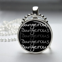 Round Glass Bezel Pendant Dangerous Necklace Photo Pendant Art Pendant With Silver Ball Chain (A3837)