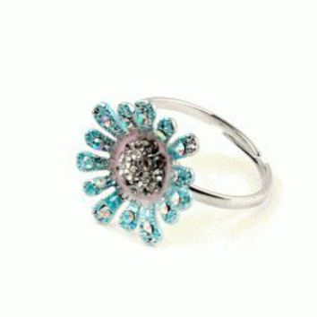 Crystal Daisy Fashion Ring | LilyFair Jewelry