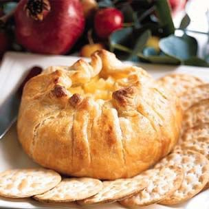 Food and Drink / Baked Brie en Croûte with Apple Compote | Williams-Sonoma
