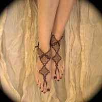 Tatted Barefoot Sandals - Lizzy's Diamonds in Sepia