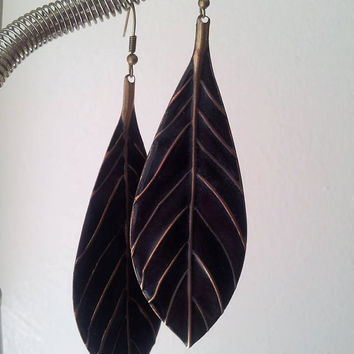 Antiqued Bronze and Black Feather Dangle Earrings|Bohemian||bohojewelry|