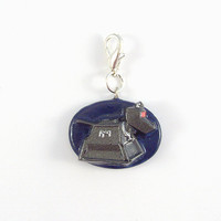 K-9 Doctor Who Charm With Silver Ch.. on Luulla