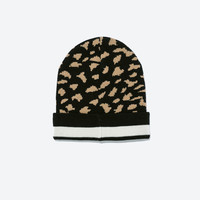 Spotted intarsia beanie