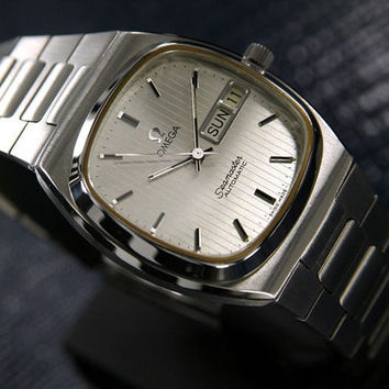 Vintage Men's Omega Seamaster Automatic Stainless Steel Luxury Watch