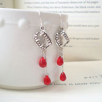 Vampire Fangs. Dangle Earrings. Blood Earrings. Vampire Jewelry. Twilight Inspired. Team Vampire.