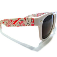 Lovely Red and Gray White-faced Wayfarers