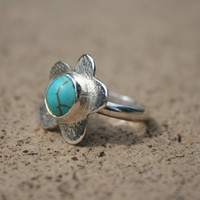 hand made silver turquoise ring     australia vintage retro recycled eco    flower       maybe daisey