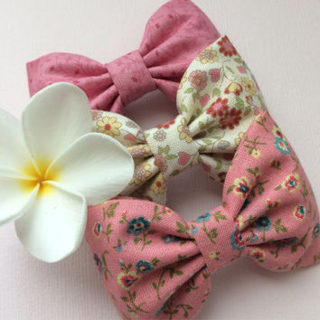 Pink mauve floral, cream pink floral, and fall pink floral hair bow lot from Seaside Sparrow.  This Seaside Sparrow set makes a perfect gift