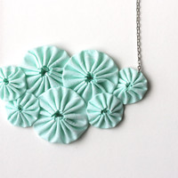 Mint Green Yoyo Necklace on Luulla