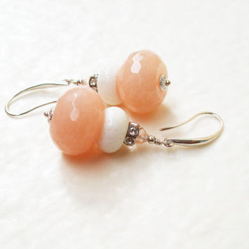 Pastel colour dangle earrings / Peachy pink and white earrings / Pink jade white coral dangle earrings