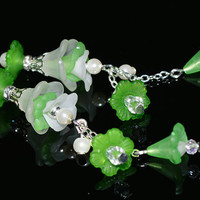 Dangle green lucite flower earrings