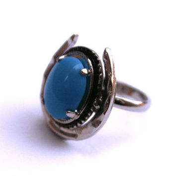 Vintage Turquoise Glass Horse Shoe Ring in Silver Tone Adjustable