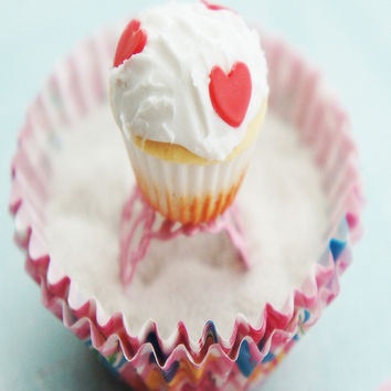 alice in wonderland cupcake ring