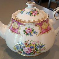 ROYAL ALBERT Beautiful Lady Carlyle Floral Gold Trim Bone China Tea Pot & Lid