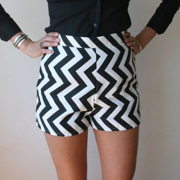 High Waisted Shorts With Black Chevron Print Sz S 28 Rusty Cuts