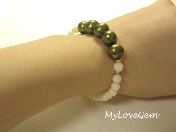 Olive Green Pearl and White Coral Stretch Bracelet