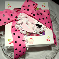 Baby Shower Gift Set Cupcake 2 Rag Burp Cloths  2 Wash Cloths