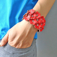 Bangle leather bracelet buckle bracelet women bracelet girls bracelet with red flowers to the shape of the leather diamond SH-1748