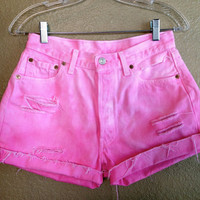 Vintage Pink Ombre High Waisted Levi&#x27;s Shorts (Medium)