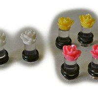 Pink, yellow, or white custom rose/flower gauges plugs. Sizes 2g, 4g, and 6g