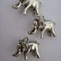 Metal Silvertone 3D Elephant Charm Bead 3ct.