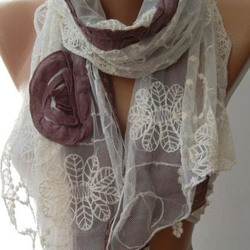 Lilac / Elegance Shawl / Scarf with Lace Edge