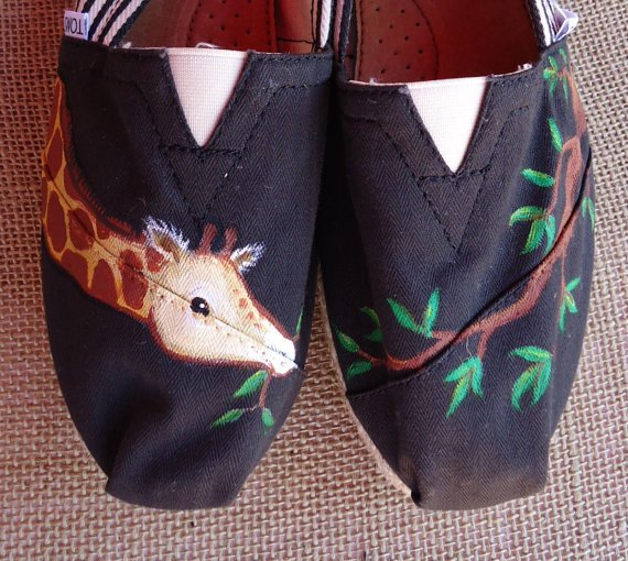 Hungry Giraffe TOMS