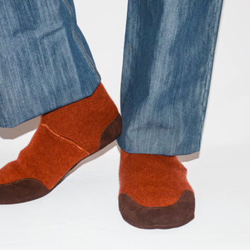 Mens Wool Slippers with Suede Leather Soles,  Men Cashmere Shoes, Eco-friendly Men Cashmere Socks. Men size  6.5 -16.  Rust Valley