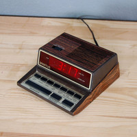Vintage Alarm Clock / Spartus Talking / Digital / 1980&#x27;s