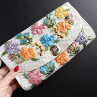 Retro Straw Flower Bag - White Floral 1970s Philippines Clutch  / Woven Blues, Pinks, & Oranges