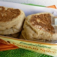 LIMITED EDITION THOMAS' Pumpkin Spice ENGLISH MUFFINS - 6 COUNT PACKAGE