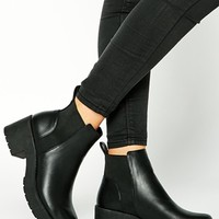 New Look Wide Fit Demolish Chunky Heel Chelsea Boots
