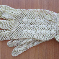 Vintage taupe crochet lace short ruffle gloves size small
