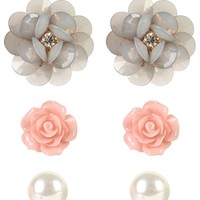 Set of 3 Stud Earrings with Flowers and Pearls