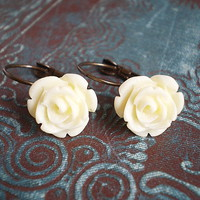 Ivory Rose Earrings on Luulla