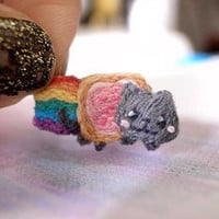 NYAN CAT tiny Hand Embroidery Brooch - Pop Tart Cat - tiny brooch - kawaii brooch - 8 bits
