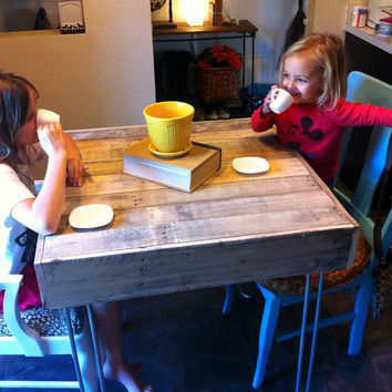 Reclaimed Pallet Barnwood Bistro,Cafe, small kitchen space city loft table desk hairpin legs