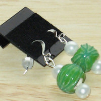 Earrings in Green and White