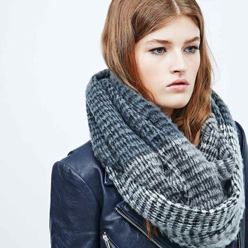 Colourblock Eternity Snood in Neutral - Urban Outfitters