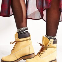 Steve Madden Pasa Lace-Up Boot- Tan