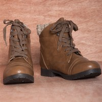 Chilly Chic WYATTE-05X Lace Up Sweater Cuff Combat Boots - Taupe