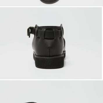 Round-Toed Buckle Strap Shoes