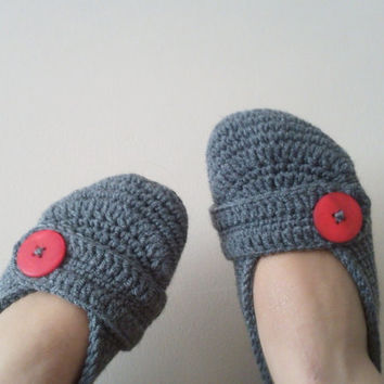 Crochet Home Slippers / Dark Gray slippers with soft yarn / Unisex Slippers Mary jane desing / Slippers for Men and Women / Christmast gifts