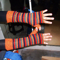 Peruvian Design Alpaca Wool Fingerless Gloves. Super-Soft, Fashionable and Warm.