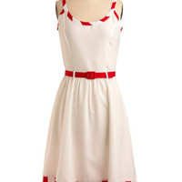 Scent of Strawberries Dress | Mod Retro Vintage Printed Dresses | ModCloth.com