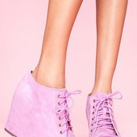 99 Tie Wedge - Lavender Suede - NASTY GAL