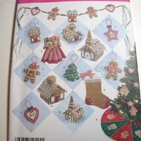 New Simplicity Pattern Christmas Crafts tree skirt stocking cookie ornaments cookie swag tree topper gingerbread house church Holiday