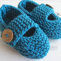 Hand Knitted Baby Shoes with Chunky Buttoned Strap in Teal, Keepsake Gift Bag - A newborn gift idea from Cwtch Bugs