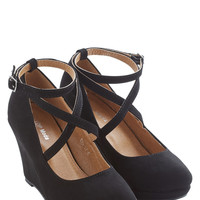 ModCloth Fabled Sable Wedge in Black